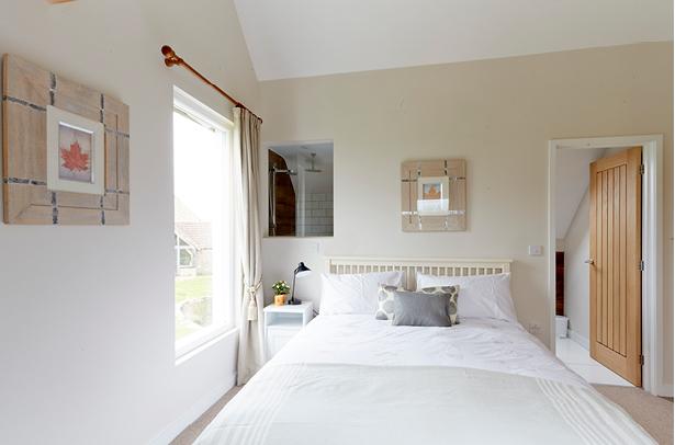 BlueGoose-Bedroom-ensuite